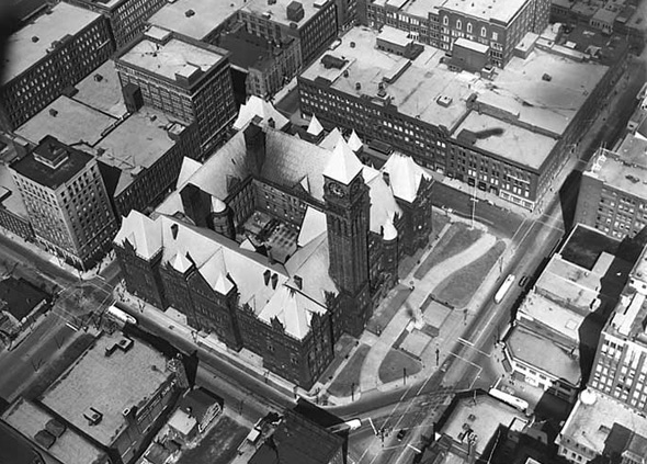 20101214-Aerial_view_of_old_city_hall_Toronto1941.jpg