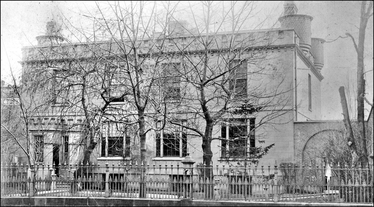 Boulton, Henry John, 'Holland House', Wellington St. W., S side, between Bay & York Sts. 1890 ...jpg