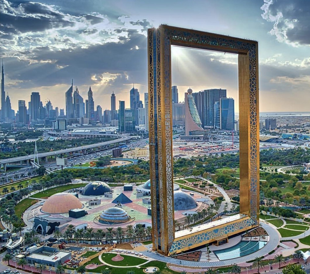 dubaiframe_collage.jpg