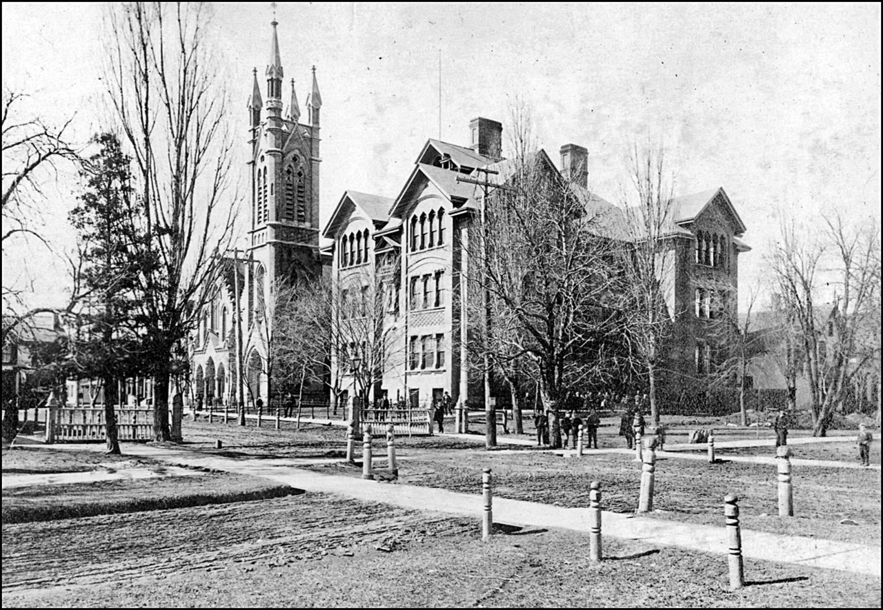 Elm St., looking west from University Ave. 1900   TPL.jpg