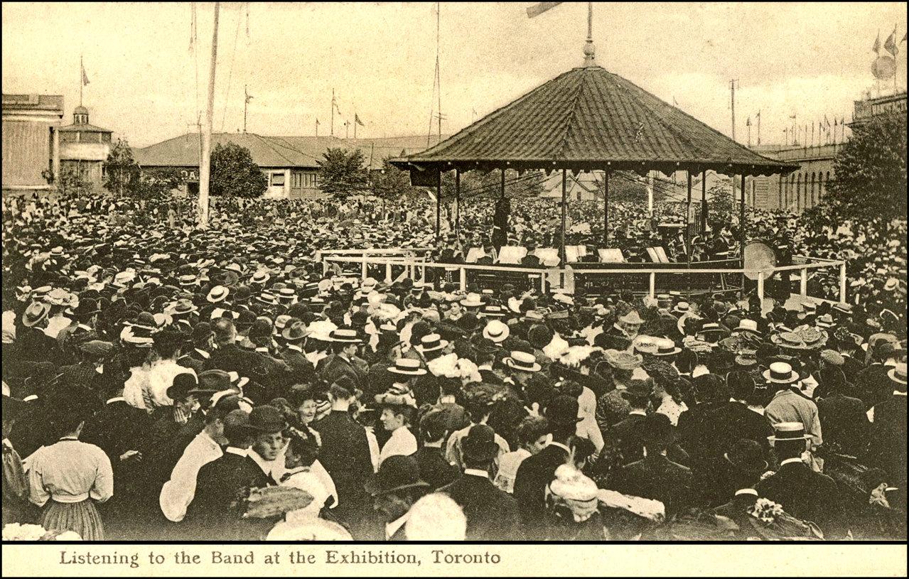Entertainment in Toronto 1907 TPL.jpg