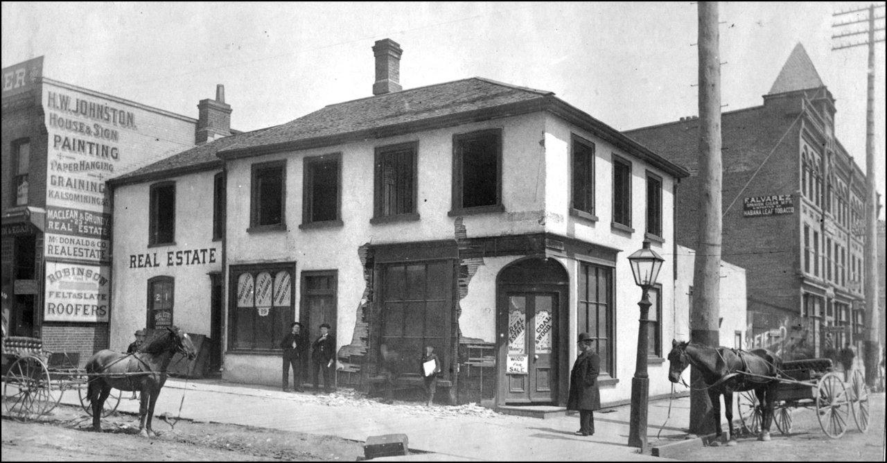 Londonderry Inn, Victoria St., north east corner Lombard St. 1890   TPL.jpg
