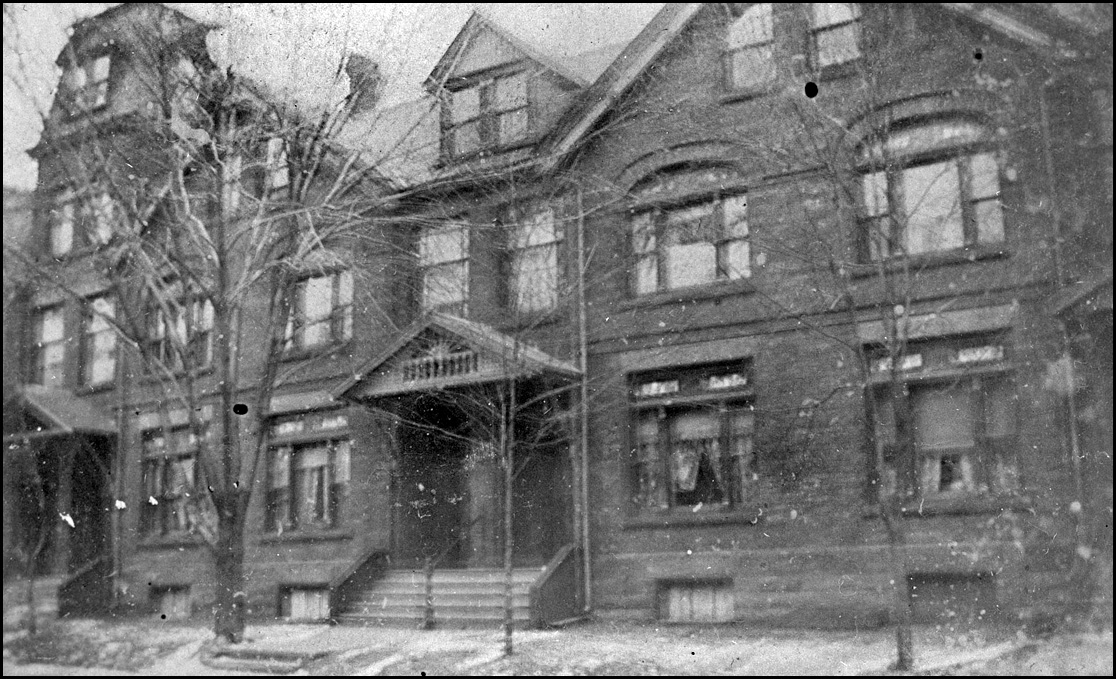 Melbourne Ave., north side, between Melbourne Place & Gwynne Ave. 1899   TPL.jpg
