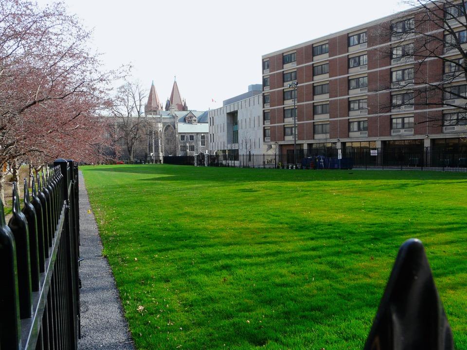 U of T Goldring Student Centre at Victoria University m