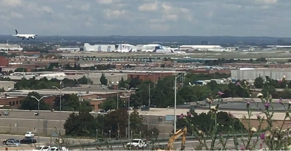Pearson_Airport_from_Danvile_Park.JPG
