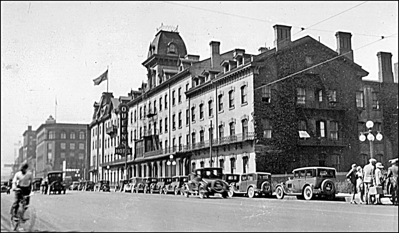 Queen's Hotel, Front St. W., north side, between Bay & York Sts. 1927   TPL.jpg