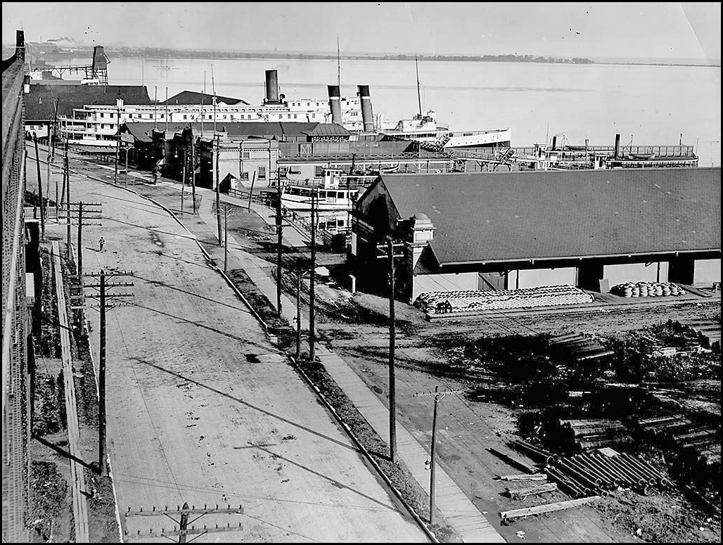 Queen's_Quay_in_1910 CTA.jpg