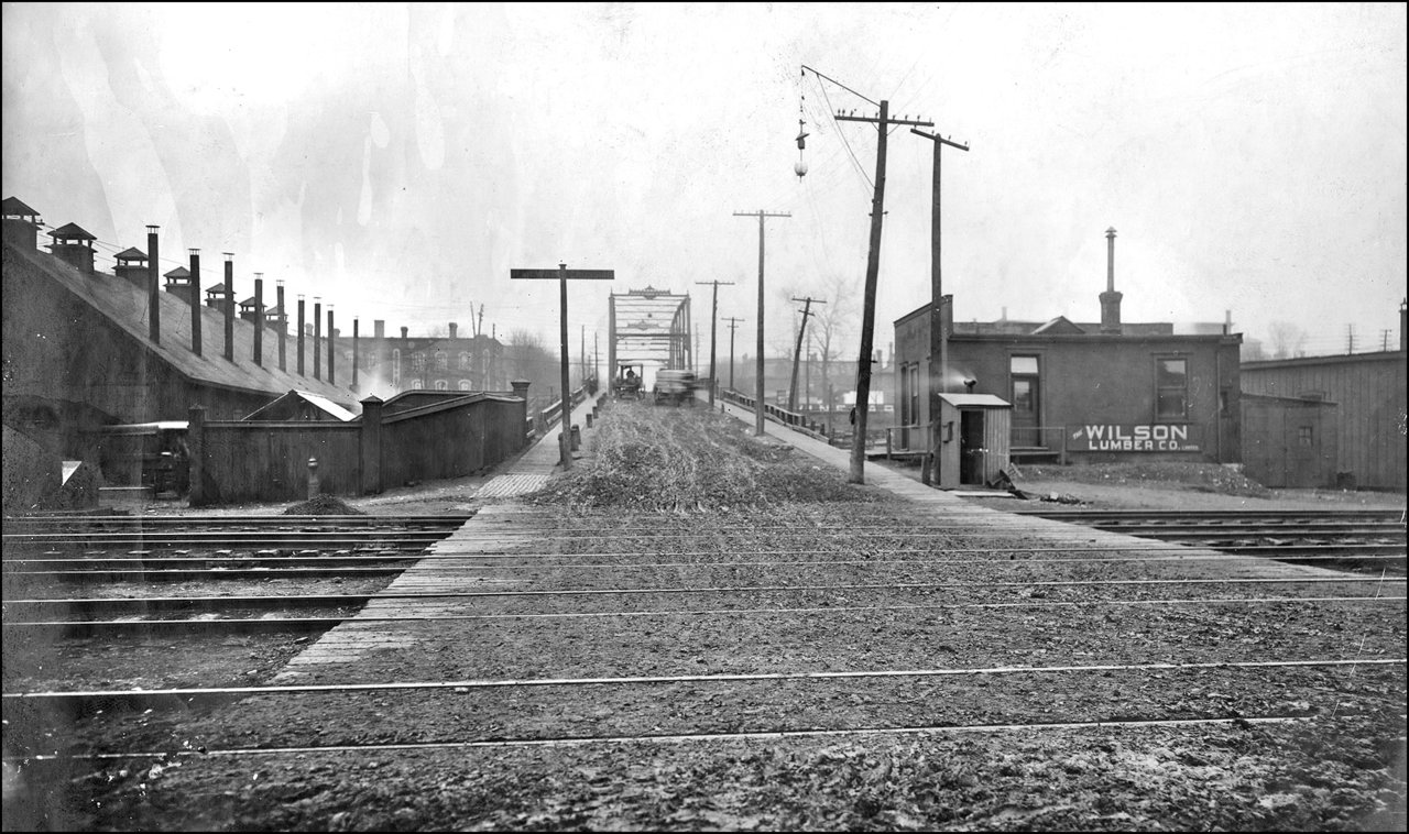 Spadina Ave., looking north from about present Lakeshore Blvd. W. 1907   TPL.jpg