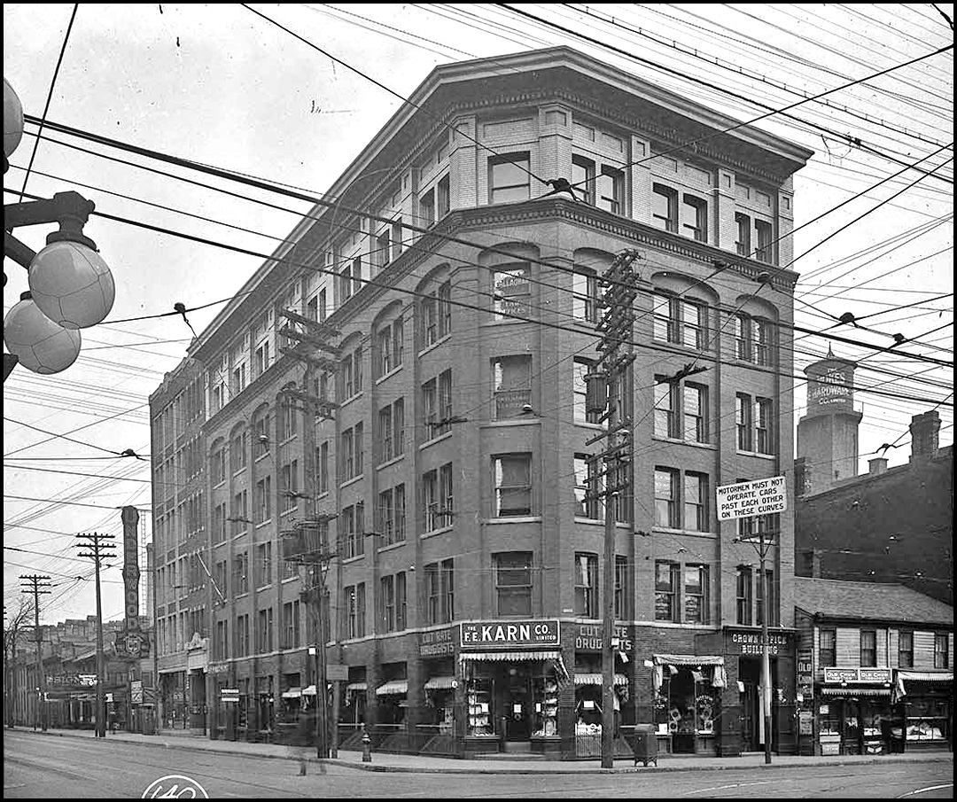 TN Queen-and-Victoria Streets N-E corner 1919.