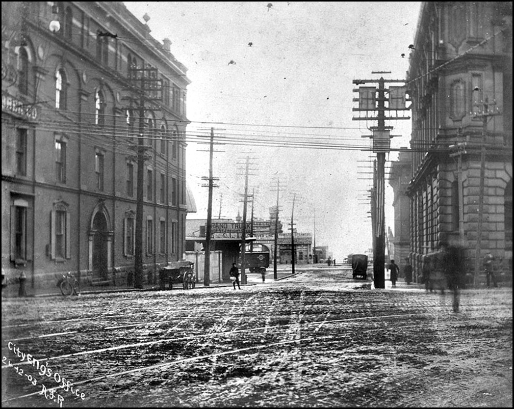 TN Yonge St. towards wharf from Front 1903.