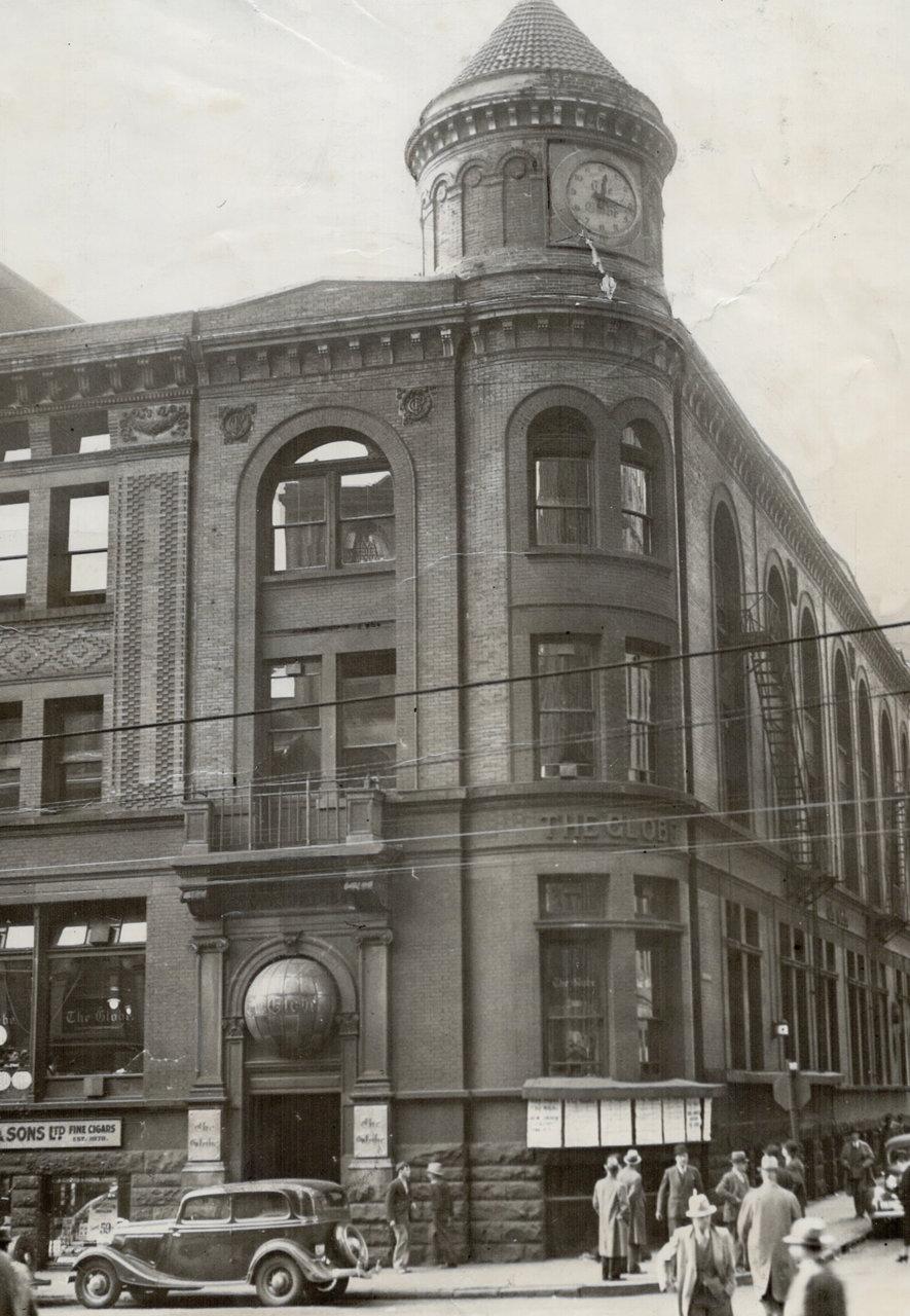 Toronto Globe Building (1895-1938) Yonge St. s.w. corner Melinda St. 1935.