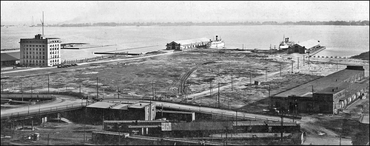 Toronto Harbour 1923, looking south east; Harbour Commission Bldg. at left  TPL.jpg