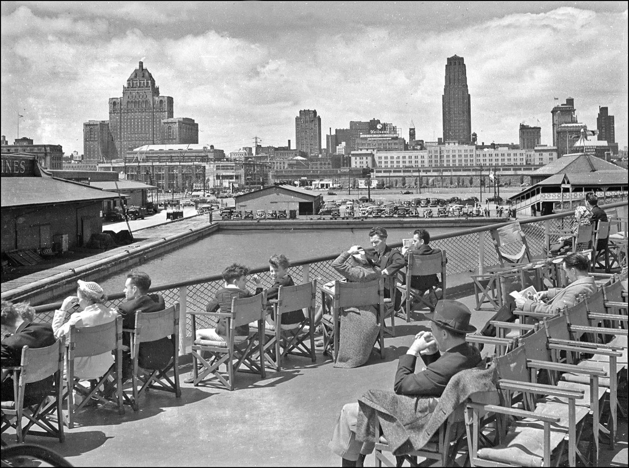 Toronto Harbour 1942, looking north from boat-deck, about foot of Bay St. 1942 TPL.jpg