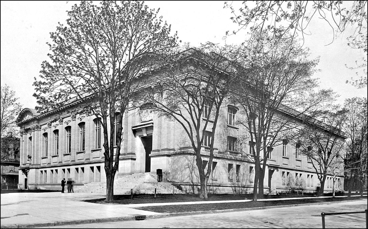 Toronto Public Library; Central Library, College St., north west corner St. George St. 1911 TPL.jpg