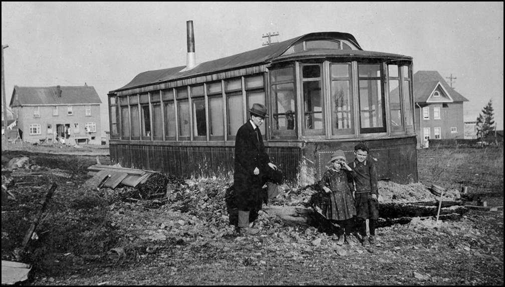 Toronto street car used for home in Haileybury, Ont. 1922 LAC.jpg