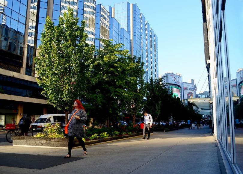Wide sidewalk along Dundas re.jpg