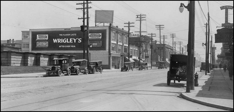 Wrigley's sign 1 at 638 Danforth c.1920-26 CTA.jpg