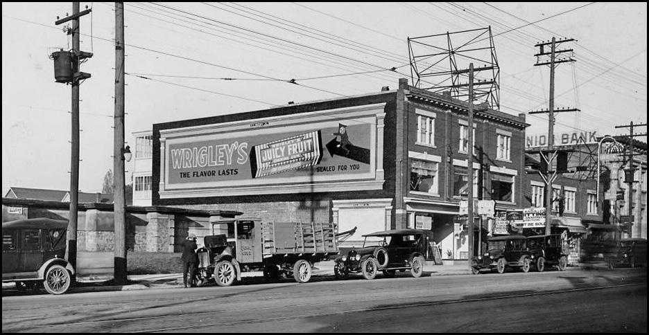 Wrigley's sign 2 at 638 Danforth c.1920-26 CTA.jpg