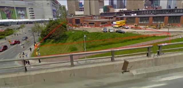 Streetview from Gardiner at Bremner Station site with lined building mock-up.