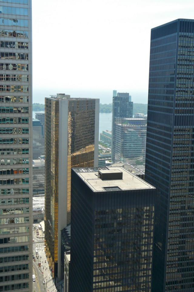 View south from the 46th storey of the Trump International Hotel and Tower, imag