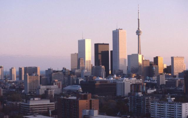 Downtown Toronto skyline 1985