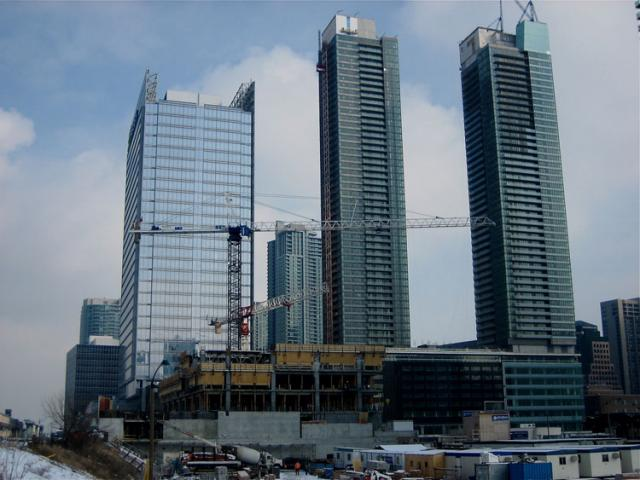 Southcore Financial Centre & Delta Toronto by GWL Realty Advisors & bcIMC