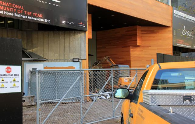 Work begins on the demolition of 45 Charles Street to make way for Chaz condos