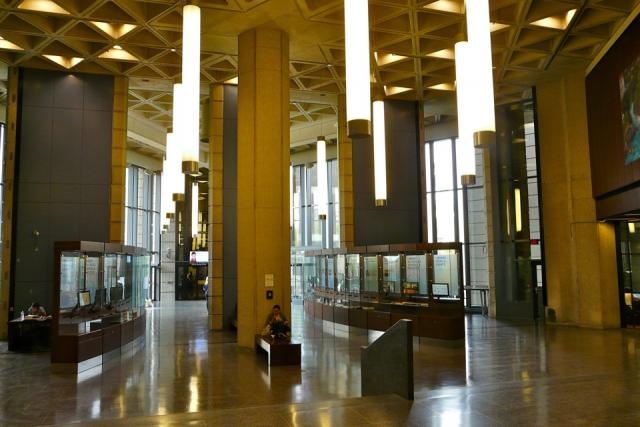 Robarts Library interior, image by Craig White 2011.05.27