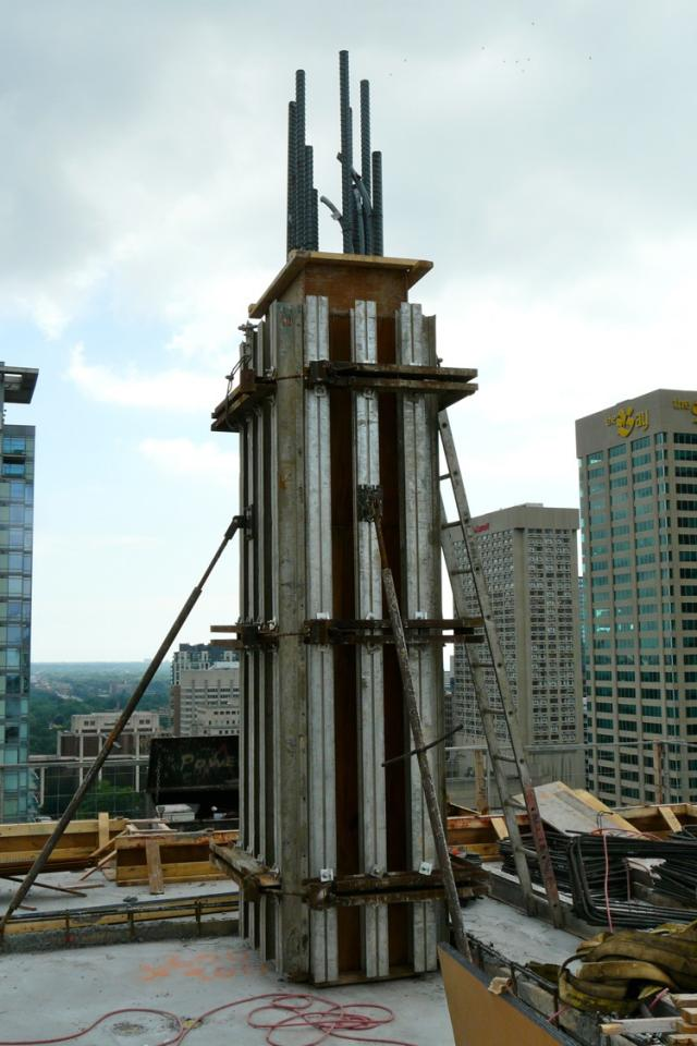 Four Seasons Hotel/Condo in downtown Toronto by Menkes and Lifetime Developments