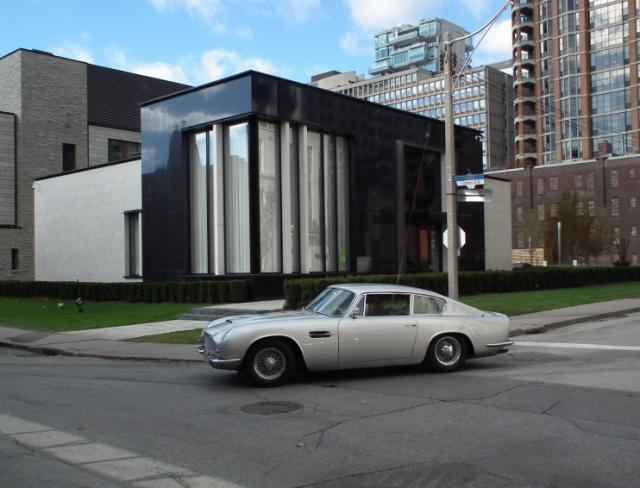 The St. Thomas in Toronto by Minto Group and Hariri Pontarini Architects