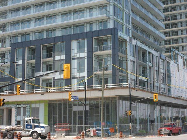 Limelight Condominiums in Mississauga, Daniels Corporation and Kirkor Architects
