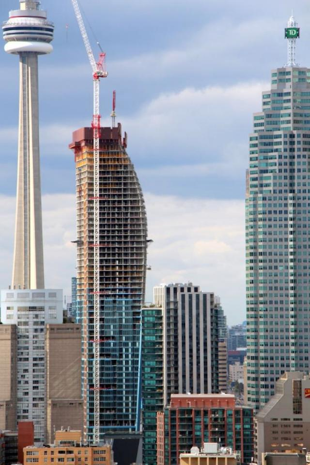 L Tower Condos Toronto by Cityzen, Fernbrook Homes and Castlepoint Realty