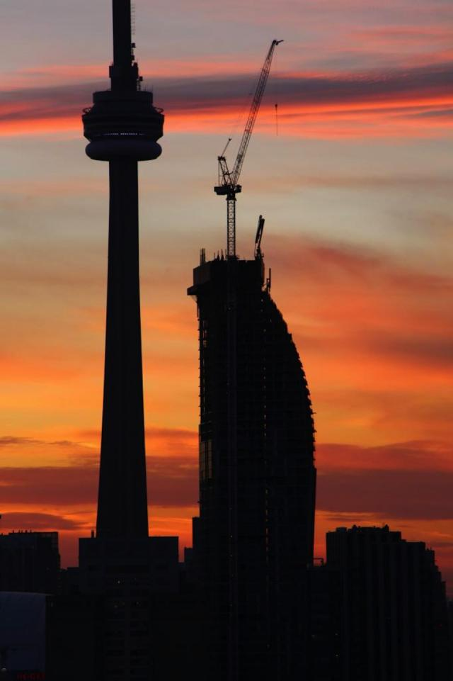 CN Tower and L Tower at sunset, image courtesy of Forum member Razz