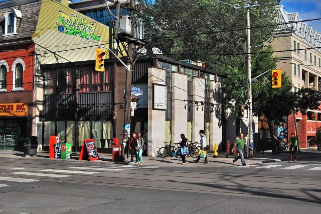 Queen and Augusta, Toronto, 2012