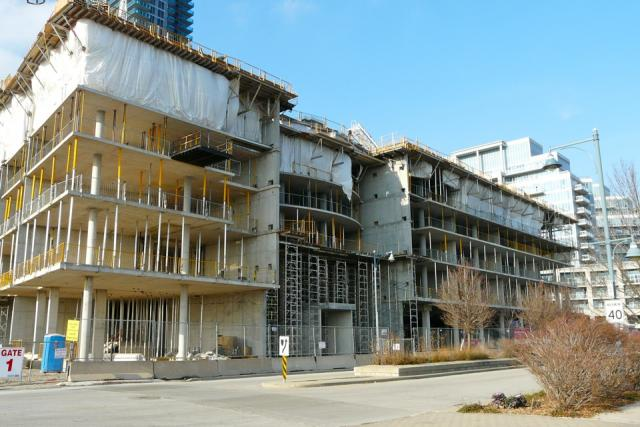 Work progresses on Monarch Corporation's Waterscapes condos, Humber Bay Shores