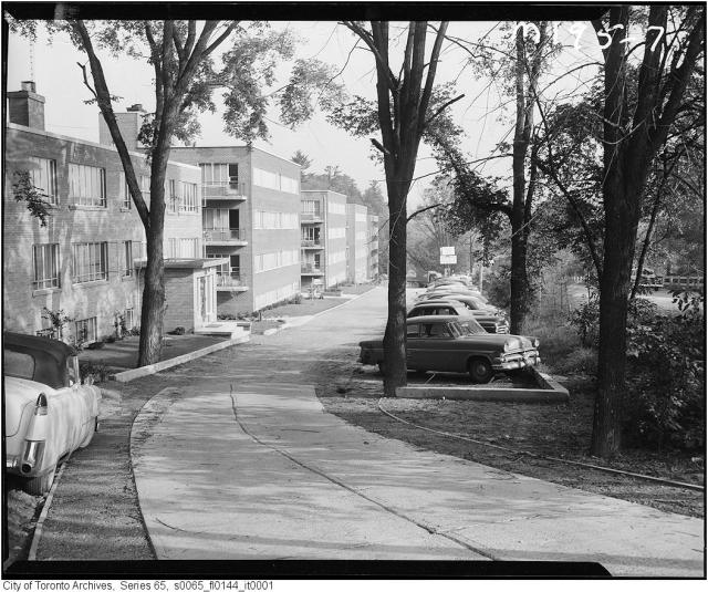 Yonge Street at Hogg's Hollow, Toronto, 1956