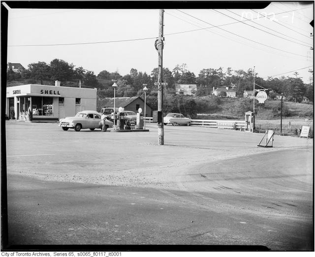 Shell gas station, Yonge and York Mills, Toronto, circa 1955