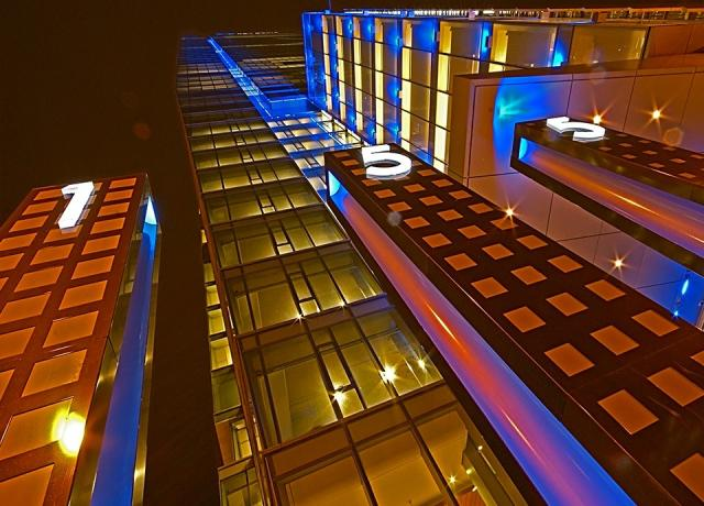 led light, media architecture, RBC Centre, Kramer Design Associates