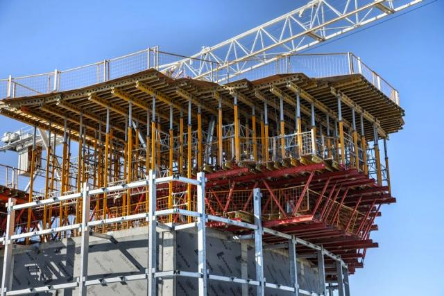Shoring for the roof of Ïce, South Tower, Toronto, Lanterra, architectsAlliance