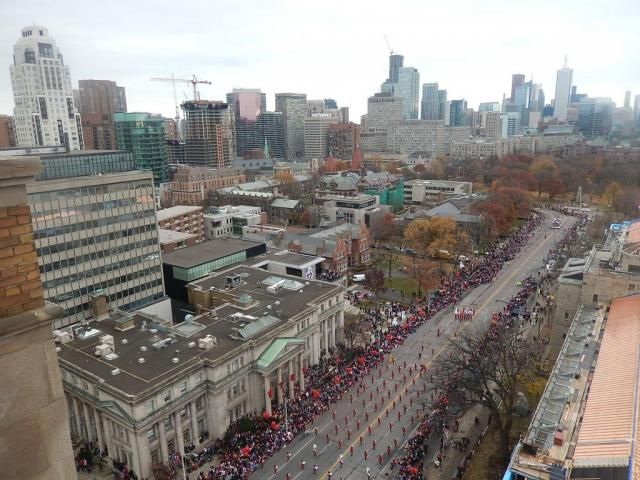 Toronto skyline and Santa Claus Parade from the Park Hyatt. Image by jasonzed