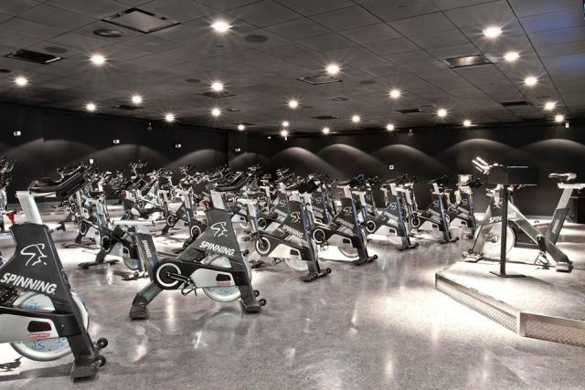 Hard Candy Fitness Aura at College Park Canderel Toronto