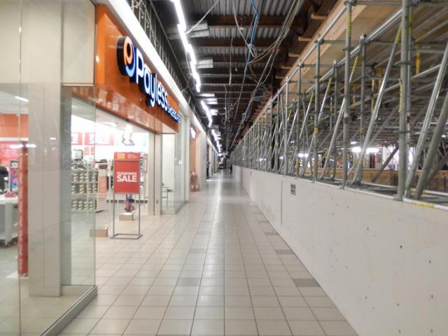 Stores remain open at Erin Mills Town Centre as the renovation goes on, image by