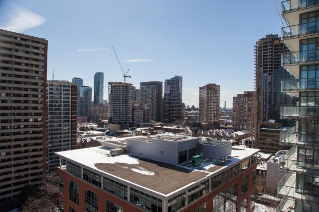 CHAZ Yorkville Condos Page+Steele/IBI Group Edenshaw Homes 45 Charles Ltd