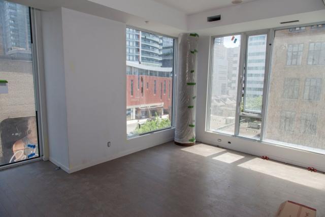 Peter Street Condominiums Toronto Ontario Canada Centrecourt