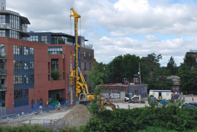 Rear view of the site from Dundas Street. Image by Marcus Mitanis.