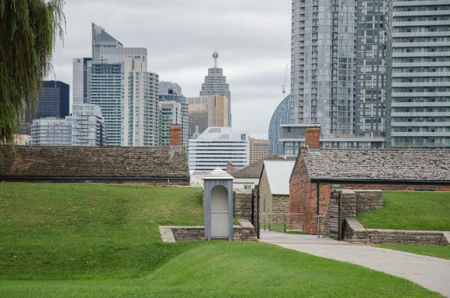 Fort York Visitor Centre, Patkau Architects, Kearns Mancini