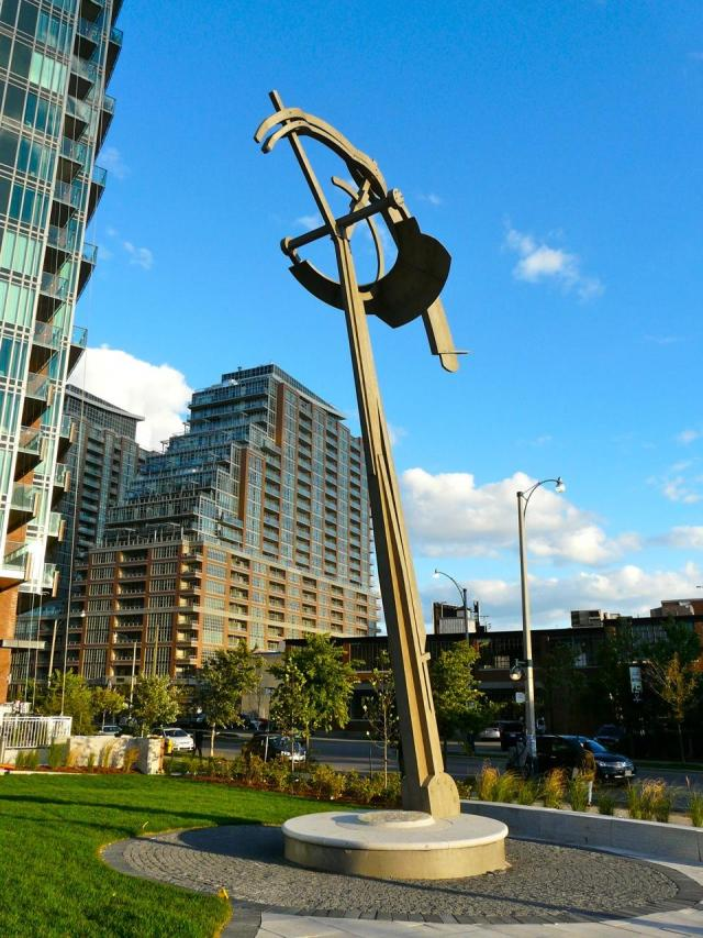 Split Rock Gap in its Liberty Village context, Toronto, image by Craig White