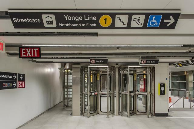 Signs at Union subway station now direct riders to the streetcar loop, Toronto