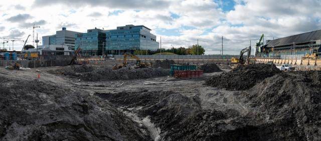 Panoramic overview of the construction in August 2015, image by kotsy