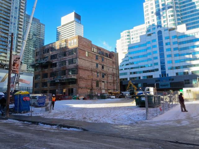 King Blue Condominiums, Page + Steele / IBI Group Architects, Greenland
